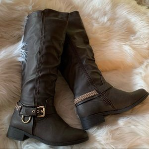 Xoxo tall boot size 7